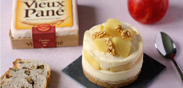 Cheesecake : Recette : Cheesecake pomme, fromage et pain aux noix - Recette au fromage