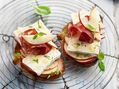 Recette : Tartine fromage, pomme et coppa - Recette au fromage
